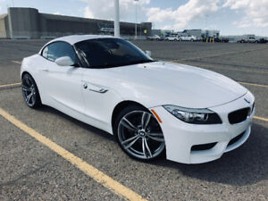 BMW Z4 28i - Hardtop Convertible Roadster