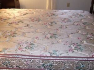 Luxury pillowtop mattress and matching boxspring
