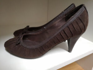 BRAND NEW - Jessica Shoes Size 7 Dark Brown Colour