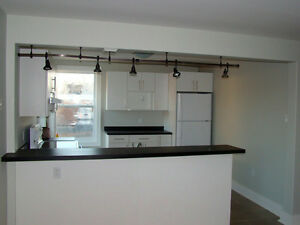 Beautiful 2 Bedroom Apartment- Quinpool & Oxford- Available Now!