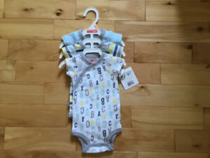 New 3 onesies for new born