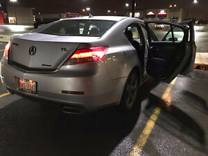 2012 Acura TL Sedan SH-AWD -- Low KM -- Hakkapeliitta 8