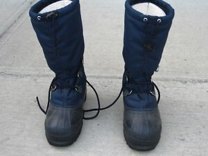 A Pair of Size 9 Women's Sorel Winter Boots