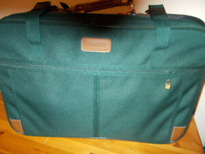 "SUITCASE - 26"" - DARK GREEN"