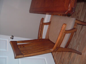 Solid Wood Dining Table and  6 Chairs Peterborough Peterborough Area image 3