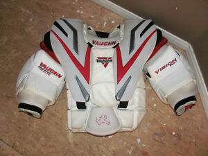Vaughn Vision 9500 PRO Chest Protector - Adult Small Oakville / Halton Region Toronto (GTA) image 1