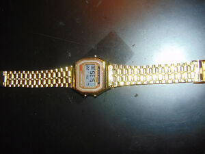 MEN'S GOLD COLOURED DIGITAL WATCH Edmonton Edmonton Area image 1