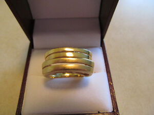"""18K YELLOW GOLD RING SIZE 8  SOLID 11 GRAMS """"OFFERS"""""""