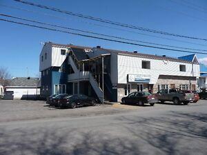 Local commercial 2100 pi  centre ville Rivière -du-loup