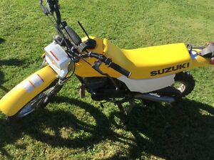Suzuki DX 80 dirt bike