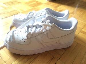 Nike Air Force blanche/white neuve portées une fois/ worn once