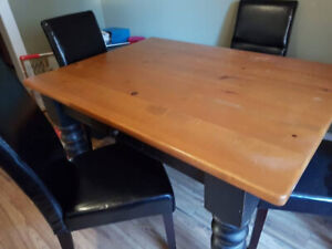Moving Must Sell ~ EUC solid table from True North Furniture