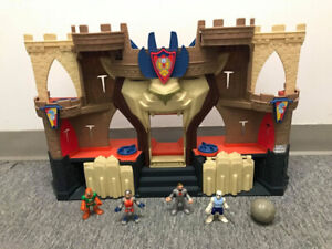 Château / forteresse imaginext Fisher price, avec personnages