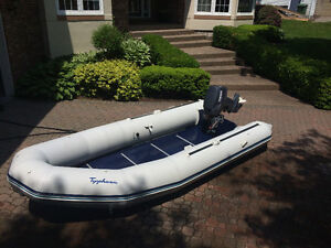 13.75' Inflatable Zodiac and Yamaha 25hp 2 stroke Outboard