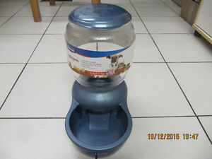 Petmate Replendish Gravity Feeding System (5lb) Made in USA New!