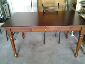 DINING TABLE WOOD