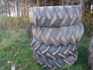 16.9x30 SKIDDER FORESTRY TIRES