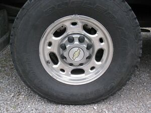 2006 CHEVROLET 2500HD SILVERADO EIGHT BOLT RIMS WANTED, WANTED!