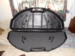 NEW FLAMBEAU COMPOUND BOW CASE