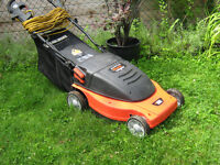 electric  black and decker  lawn mower  like new