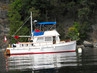 Reduced!!  Super classic live-aboard-floating cottage!!