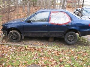 Parting out 2001 Toyota Corolla Sedan