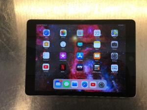 """iPad 9.7"""" (A1822) 128GB in use 1 year"""