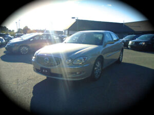 2008 Buick Allure CXL, LEATHER & HEATED SEATS. LOW KM!!!!!!!