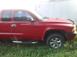dodge dakota 2004 v8