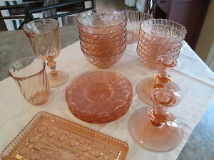 CORAL GLASSES AND DISHES