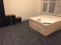 Bedrooms BILLS INC shared, DIDSBURY, newly renovated, new furniture, close to Hospital, transport