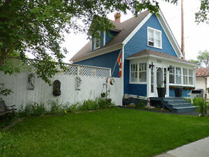 Price Reduced to $234,500!! Charming Home on the SE Hill