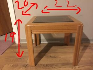 Small wood coffee table with tinted tempered glass top $25 OBO Cambridge Kitchener Area image 1