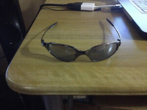 Oakley Juliets Sunglasses Good Condition, Copy, 45$ West Island Greater Montréal image 3