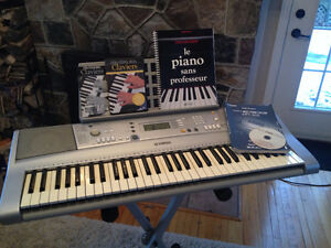 Yamaha Portable Keyboard YPT-300 (PSR-E303)