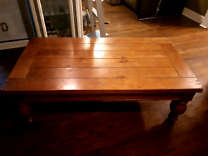 AWESOME WOODEN COFFEE TABLE - VINTAGE - $100 OR B/O
