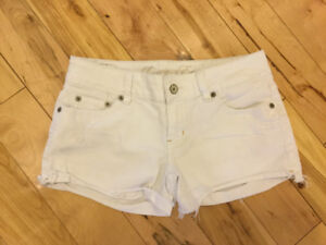 Size 2 American Eagle - Like new!!  (Stretchy)