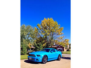 One owner 2014 Ford Mustang 3.7 V6 Premium