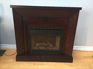 Electric fireplace - dark wood - works great