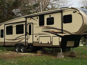 Cruiser Fifth Wheel- triple slide- rare model