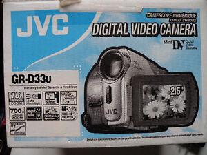 Caméscope numérique / Caméra vidéo JVC Mini-DV Saguenay Saguenay-Lac-Saint-Jean image 1