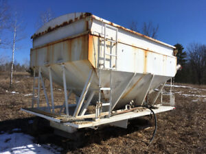 Fertilizer Box Wilmot 13 ton