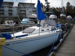 Crown 34 Great Cruiser or live aboard also known as Sceptre 34