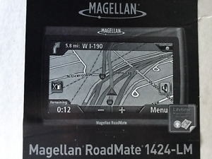 """Magellan RoadMate 1424-LM GPS with 4.3"""" screen and Lifetime Maps"""