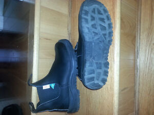 Blundstone Unisex CSA GREENPATCH pull-on boots St. John's Newfoundland image 1