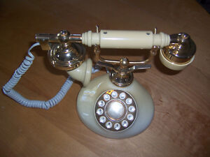 Regal French Phone Ivory