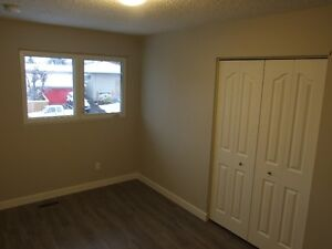 Great Tenants Needed for 3 Bedroom Suite in Duplex Strathcona County Edmonton Area image 5