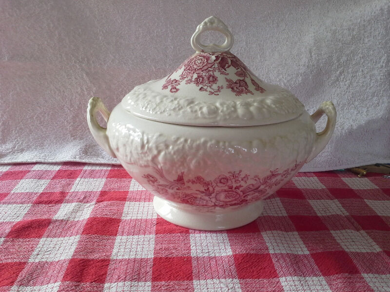 Elegant Antique China Soup Tureen with Lid