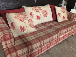 Divan lit à donner! Format matelas QUEEN size mattress sleep sof