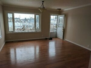 2+2 west end home- available immediately